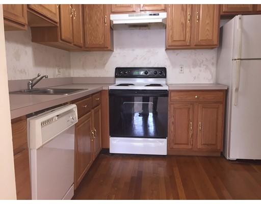 Casa Unifamiliar por un Alquiler en 211 West Quincy, Massachusetts 02169 Estados Unidos