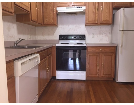 Additional photo for property listing at 211 West  Quincy, Massachusetts 02169 Estados Unidos