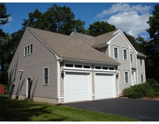 Single Family Home for Sale at 245 Concord Road 245 Concord Road Bedford, Massachusetts 01730 United States