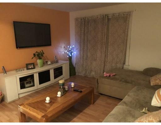 Многосемейный дом для того Продажа на 26 Curtis Road 26 Curtis Road Revere, Массачусетс 02151 Соединенные Штаты
