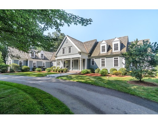 Single Family Home for Sale at 25 Orchard Street 25 Orchard Street Medfield, Massachusetts 02052 United States