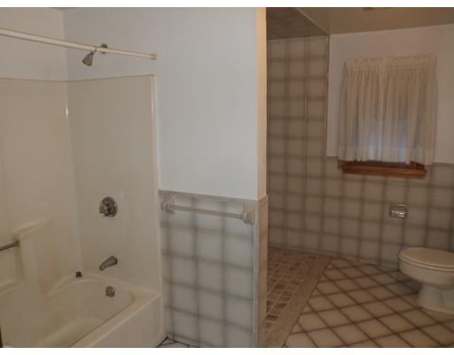 独户住宅 为 出租 在 34 Mead Street 波士顿, 马萨诸塞州 02129 美国