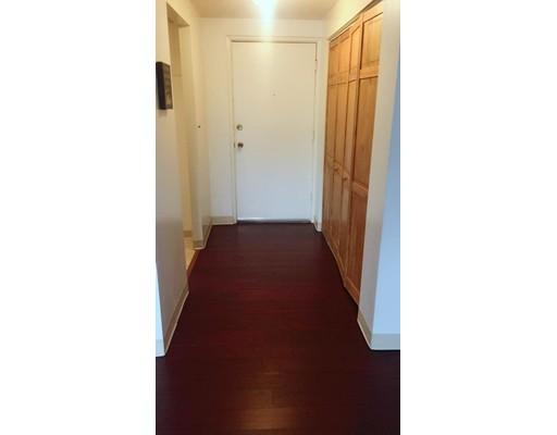 独户住宅 为 出租 在 215 Winter Street 韦茅斯, 马萨诸塞州 02188 美国