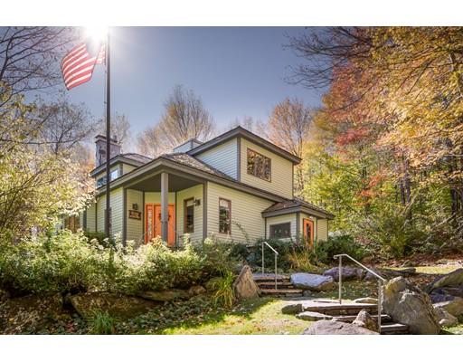 واحد منزل الأسرة للـ Sale في 79 River Road 79 River Road Worthington, Massachusetts 01098 United States