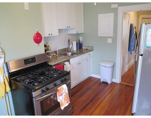 独户住宅 为 出租 在 702 East Broadway 波士顿, 马萨诸塞州 02127 美国