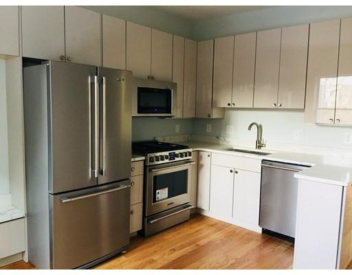 Casa Unifamiliar por un Alquiler en 201 Marion Street Boston, Massachusetts 02128 Estados Unidos