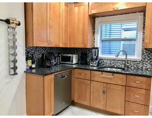 Additional photo for property listing at 87 Malden  Everett, Massachusetts 02149 Estados Unidos