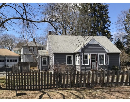 Single Family Home for Sale at 14 Straw Avenue 14 Straw Avenue Northampton, Massachusetts 01062 United States