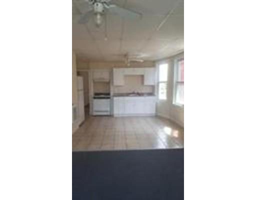 独户住宅 为 出租 在 211 Chestnut street 林恩, 01902 美国