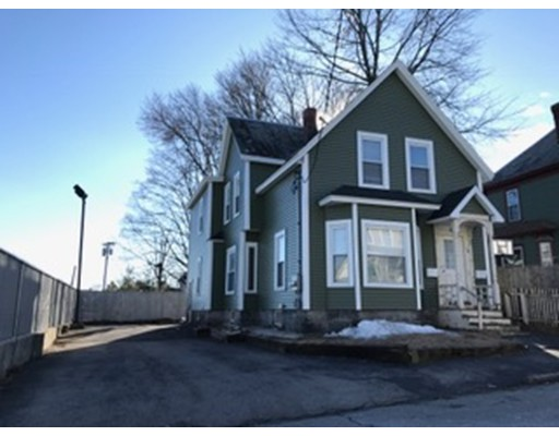 独户住宅 为 出租 在 18 A Lowell, 01851 美国