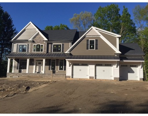 Single Family Home for Sale at 52 Oak Hill Road 52 Oak Hill Road Southborough, Massachusetts 01745 United States