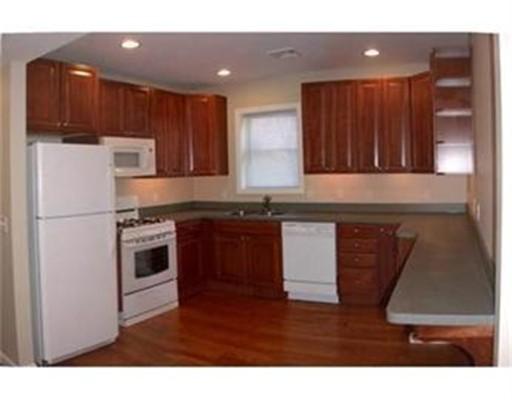 Casa Unifamiliar por un Alquiler en 73 Broadway Quincy, Massachusetts 02169 Estados Unidos