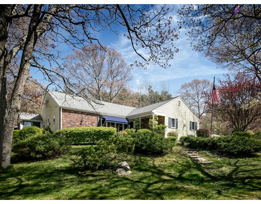 1  Long Boat Rd,  Bourne, MA