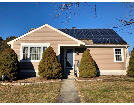Single Family Home for Sale at 470 Lepes Road 470 Lepes Road Somerset, Massachusetts 02726 United States