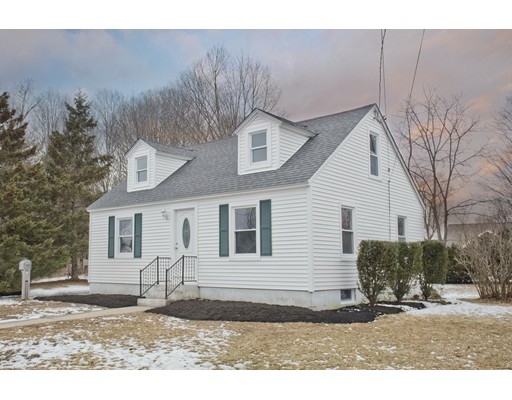 Single Family Home for Sale at 5 Ely Avenue 5 Ely Avenue Easthampton, Massachusetts 01027 United States