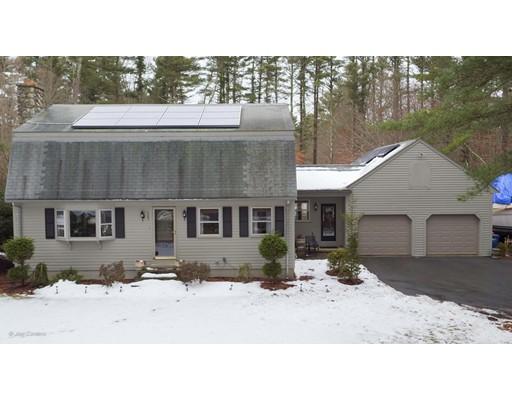 Maison unifamiliale pour l Vente à 385 North Avenue 385 North Avenue Rochester, Massachusetts 02770 États-Unis