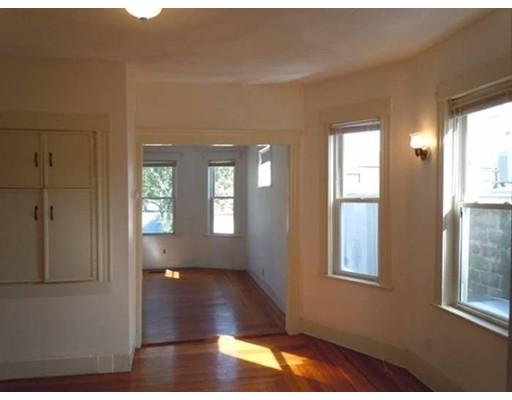 Casa Unifamiliar por un Alquiler en 635 Boston Avenue Medford, Massachusetts 02155 Estados Unidos