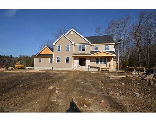 Single Family Home for Sale at 5 Mountainview Road 5 Mountainview Road Uxbridge, Massachusetts 01569 United States