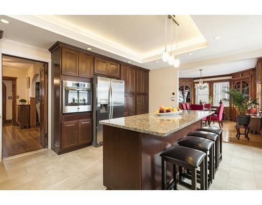 واحد منزل الأسرة للـ Sale في 155 Somerset Avenue 155 Somerset Avenue Winthrop, Massachusetts 02152 United States