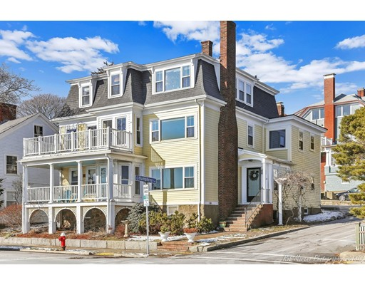 Casa Multifamiliar por un Venta en 312 Humphrey Street 312 Humphrey Street Swampscott, Massachusetts 01907 Estados Unidos