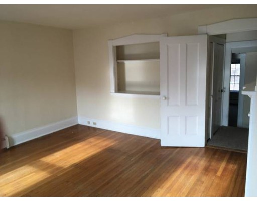 Apartamento por un Alquiler en 103 North Street #4 103 North Street #4 Hingham, Massachusetts 02043 Estados Unidos