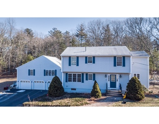 Single Family Home for Sale at 20 Park Street 20 Park Street Mendon, Massachusetts 01756 United States