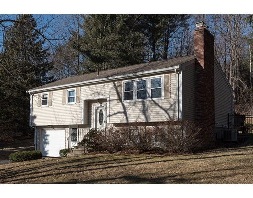 Single Family Home for Sale at 18 Gen. Henry Knox Road 18 Gen. Henry Knox Road Southborough, Massachusetts 01772 United States