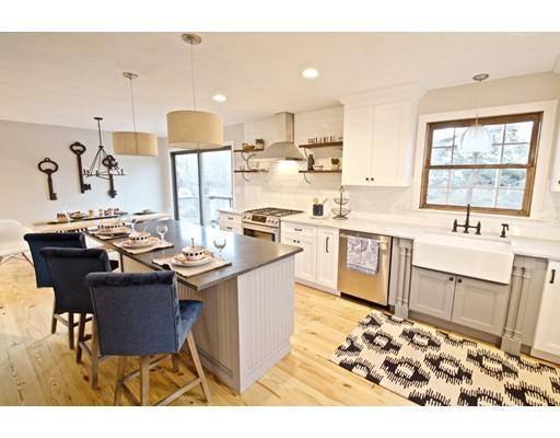 独户住宅 为 销售 在 257 Granite Street 257 Granite Street 罗克波特, 马萨诸塞州 01966 美国