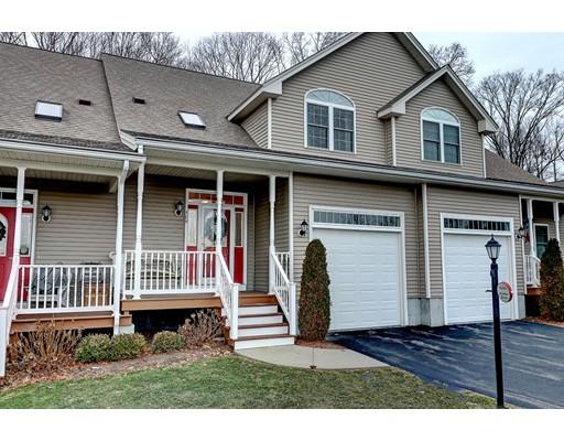 Appartement en copropriété pour l Vente à 158 Bear Hill 158 Bear Hill Cumberland, Rhode Island 02864 États-Unis