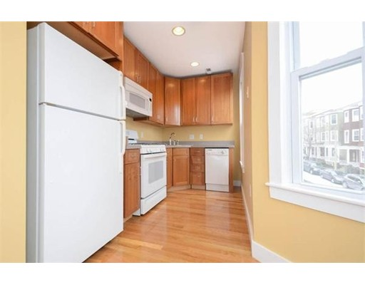 Single Family Home for Rent at 141 O Boston, Massachusetts 02127 United States