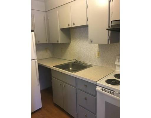 Apartamento por un Alquiler en 1 Station Street #G-3 1 Station Street #G-3 Hingham, Massachusetts 02043 Estados Unidos