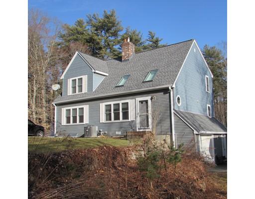 Single Family Home for Sale at 640 Streetate Street 640 Streetate Street Hanson, Massachusetts 02341 United States