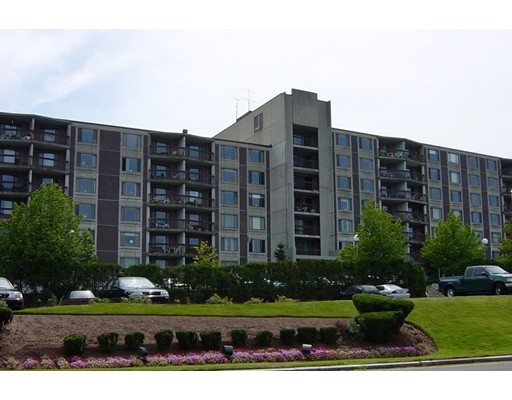Condominio por un Alquiler en 1500 Worcester Rd #330 1500 Worcester Rd #330 Framingham, Massachusetts 01702 Estados Unidos