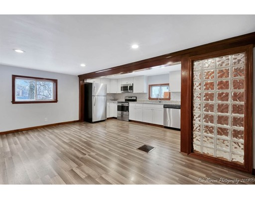 Additional photo for property listing at 48 Lakeshore Drive 48 Lakeshore Drive Georgetown, Massachusetts 01833 Estados Unidos