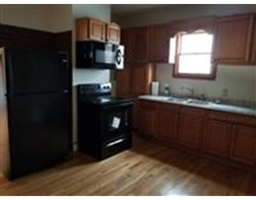 Additional photo for property listing at 5 Autumn  Somerville, Massachusetts 02145 Estados Unidos