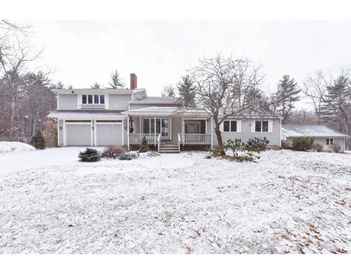 Single Family Home for Sale at 138 Sand Hill Road Groton, 01450 United States