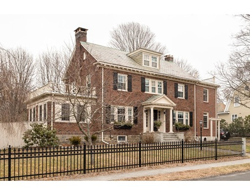 واحد منزل الأسرة للـ Sale في 2 Spruce Street 2 Spruce Street Braintree, Massachusetts 02184 United States
