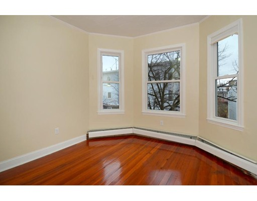 Additional photo for property listing at 284 Sumner  Boston, Massachusetts 02128 Estados Unidos