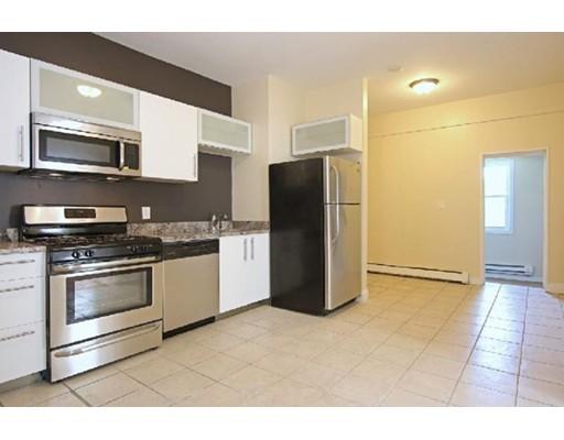 独户住宅 为 出租 在 114 Everett Street 波士顿, 马萨诸塞州 02128 美国