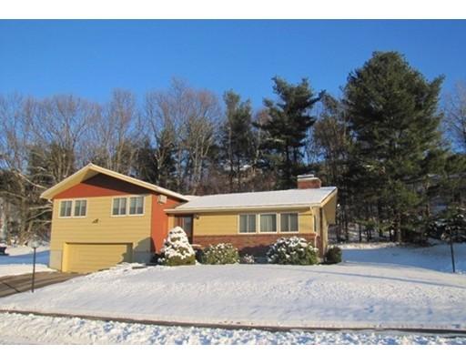 Maison unifamiliale pour l Vente à 12 Forest Hill Drive 12 Forest Hill Drive Shrewsbury, Massachusetts 01545 États-Unis