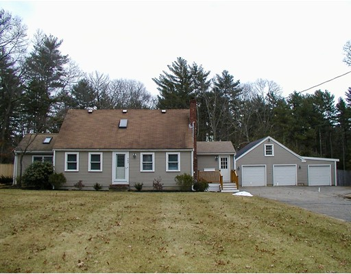 Single Family Home for Sale at 343 Holmes Street 343 Holmes Street Halifax, Massachusetts 02338 United States