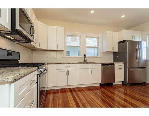 共管式独立产权公寓 为 销售 在 20 Walnut 20 Walnut Everett, 马萨诸塞州 02149 美国
