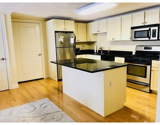 Appartement en copropriété pour l à louer à 31 Elliott St #4B 31 Elliott St #4B Beverly, Massachusetts 01915 États-Unis