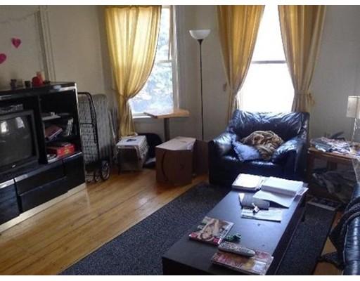Casa Unifamiliar por un Alquiler en 51 Pontiac Street Boston, Massachusetts 02120 Estados Unidos