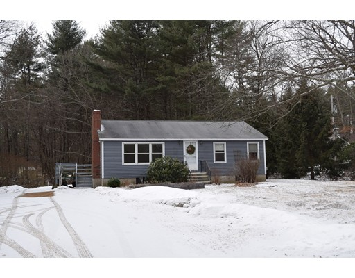 Single Family Home for Rent at 262 Taylor Road 262 Taylor Road Stow, Massachusetts 01775 United States