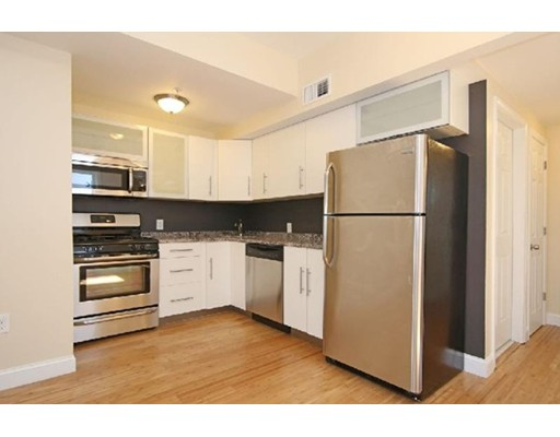 شقة للـ Rent في 45 Orleans St #3 45 Orleans St #3 Boston, Massachusetts 02128 United States