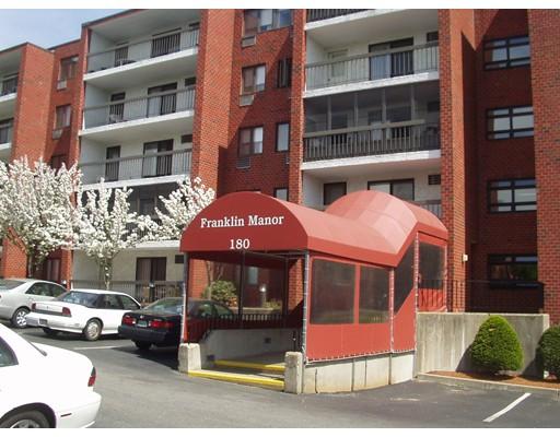 独户住宅 为 出租 在 180 Green Street 梅尔罗斯, 02176 美国