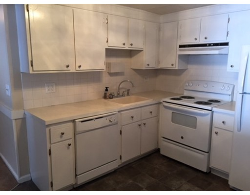 شقة بعمارة للـ Rent في 41 Spencer Road #14 41 Spencer Road #14 Boxborough, Massachusetts 01719 United States