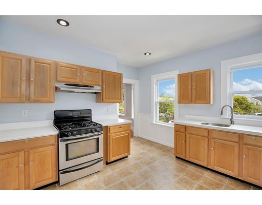 Willow, Somerville, MA 02144