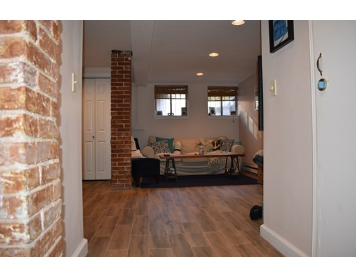 Additional photo for property listing at 3 Auburn  波士顿, 马萨诸塞州 02129 美国